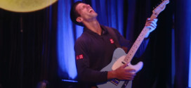 HIT VIDEO: Evo kako Novak Đoković svira električnu gitaru