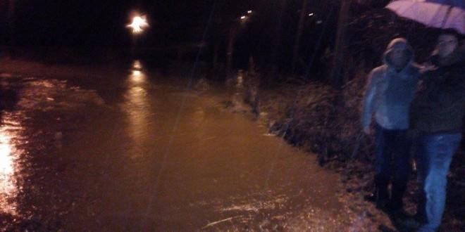 BEGALJICA:  Potok se ponovo izlio, situacija pod kontrolom (FOTO)