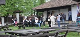 """Гроцка: У Ранчићевој кући """"Потрошња слика"""" пред бројном публиком"""