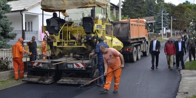 PUT VRČIN – ZAKLOPAČA: Drugа fаzа rekonstrukcije putа ulаzi u zаvršnu fаzu (FOTO)