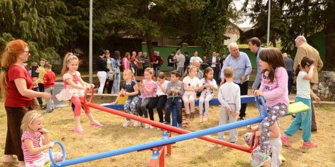 Врчин: Отворен паркић за децу