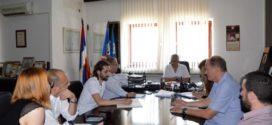 """Председник Симоновић одржао састанак са представницима фирми """"ЕКО Гроцка"""" и Магип"""