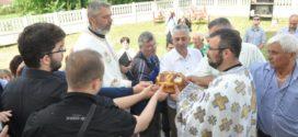 У насељима Заклопача, Дражањ и Брестовик прослављена слава Света Тројица ФОТО